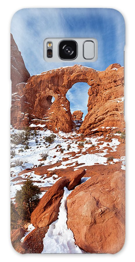 Arches Galaxy S8 Case featuring the photograph Turret Arch In Winter by D Robert Franz