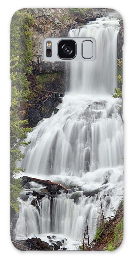 Idaho Galaxy S8 Case featuring the photograph Undine Falls Yellowstone National Park by D Robert Franz