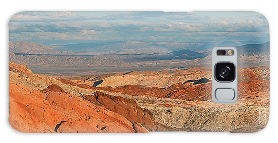 Valley Of Fire Galaxy S8 Case featuring the photograph Valley Of Fire Nevada by Art Whitton