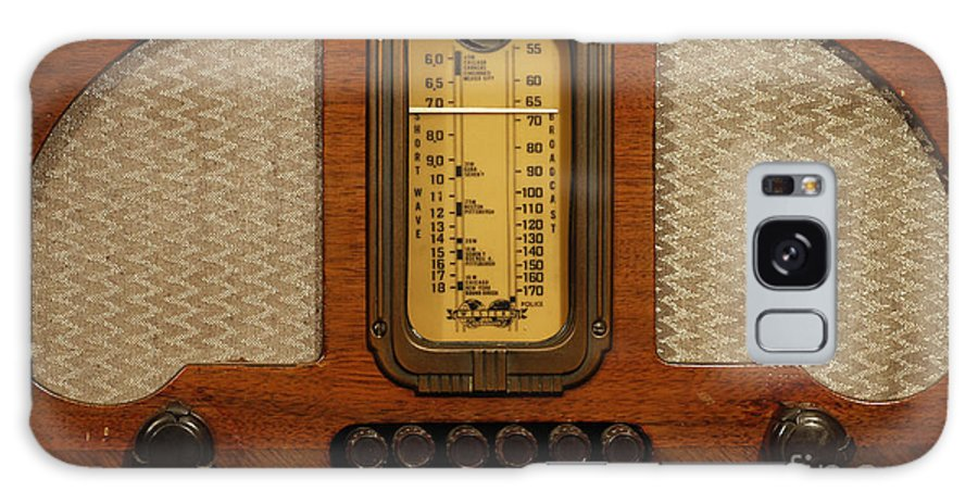 Old Radio Galaxy S8 Case featuring the photograph Vintage Radio by Dennis Hedberg