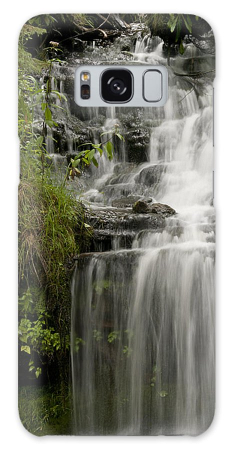 Wagner Falls Galaxy S8 Case featuring the photograph Waterfall Flows by Cindy Lindow