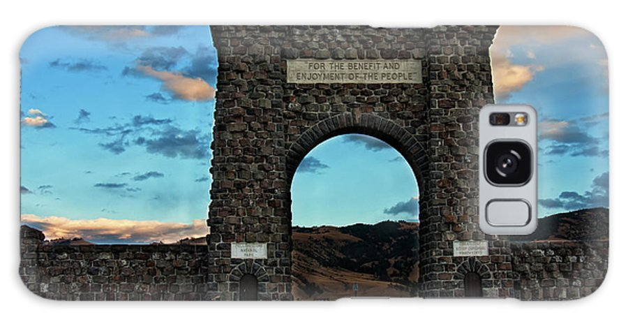 Roosevelt Arch Galaxy S8 Case featuring the photograph Welcome To Yellowstone by Carolyn Fox