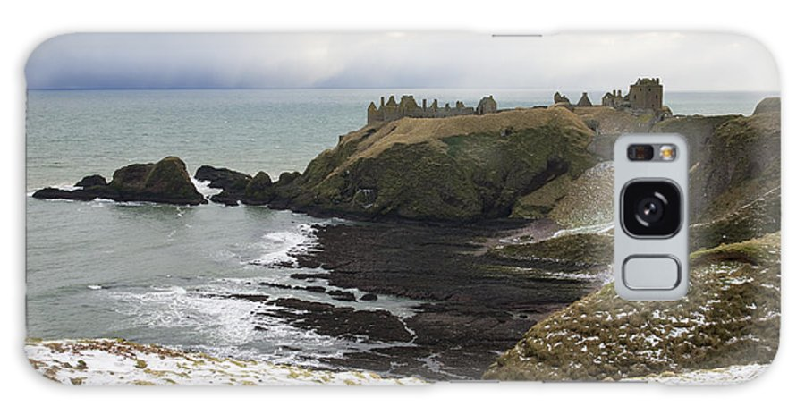 Dunottar Galaxy S8 Case featuring the photograph Winter Storm At Dunottar by Howard Kennedy