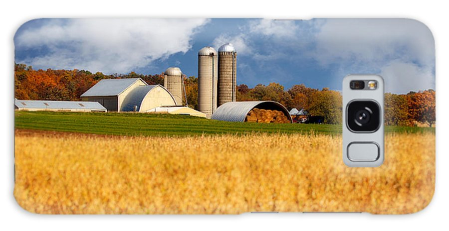 Wisconsin Galaxy S8 Case featuring the photograph Wisconsin Farm In Fall by Jarrod Erbe