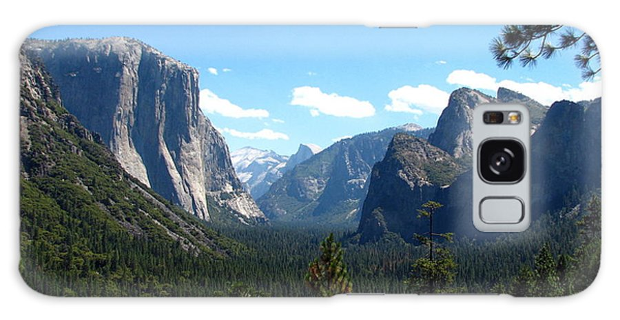 Yosemite Galaxy S8 Case featuring the photograph Yosemite Panorama by Carla Parris