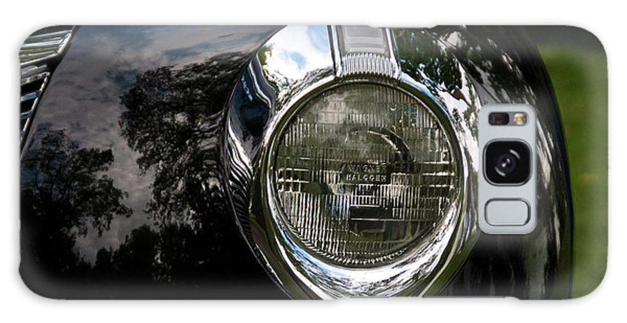 Antique Car Galaxy S8 Case featuring the photograph One Eye 13128 by Guy Whiteley