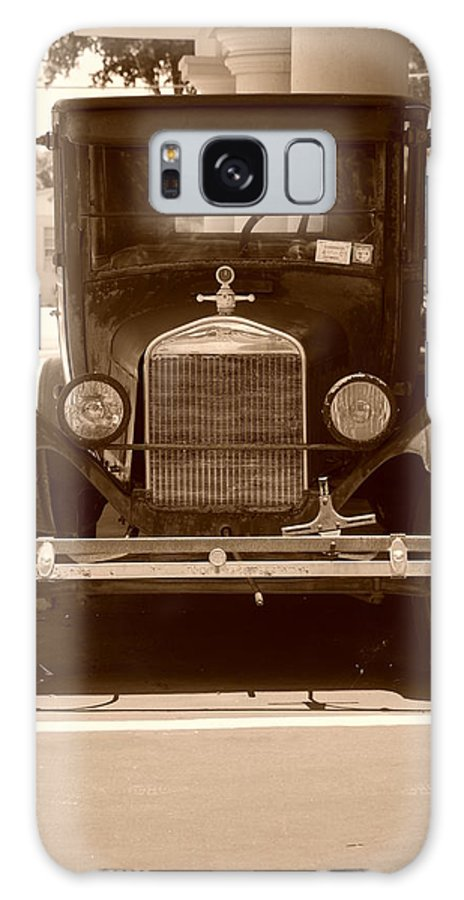 Sepia Galaxy S8 Case featuring the photograph 1926 Model T by Rob Hans