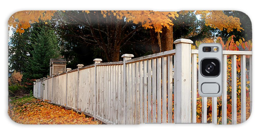 Coeur D'alene Galaxy S8 Case featuring the photograph Autumn Fence by Idaho Scenic Images Linda Lantzy