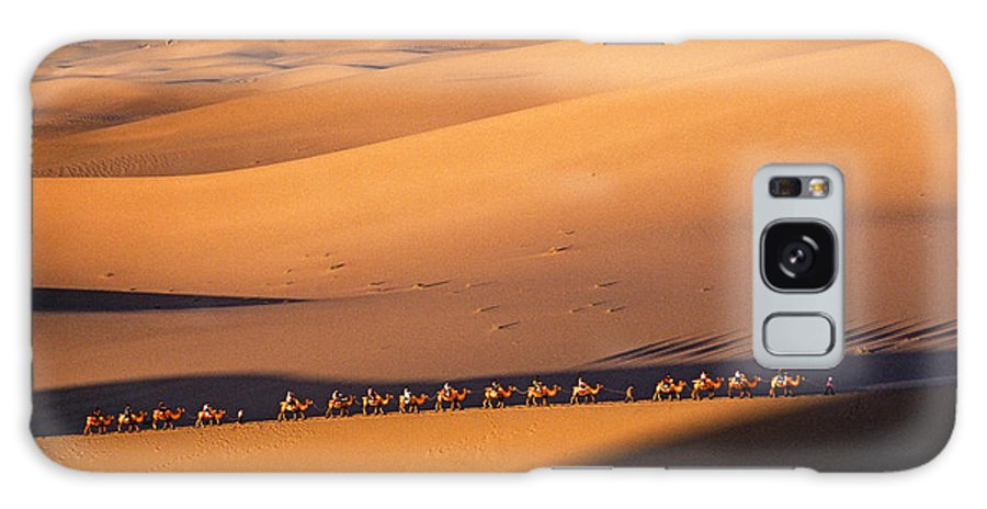 Asia Galaxy S8 Case featuring the photograph Camel Caravan Crosses The Dunes by Michele Burgess