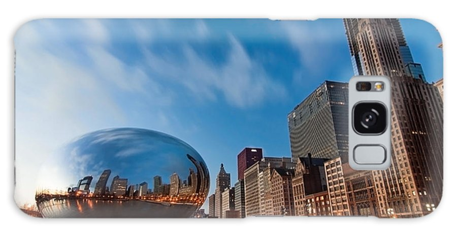 Chicago Skyline Galaxy S8 Case featuring the photograph Chicago Skyline And Bean At Sunrise by Sven Brogren