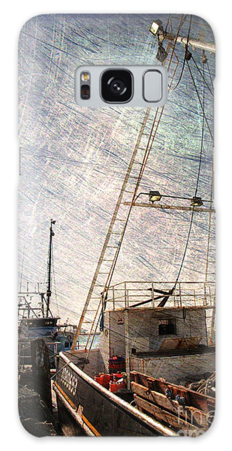 Harbor Galaxy S8 Case featuring the photograph Evening In The Harbor by Susanne Van Hulst