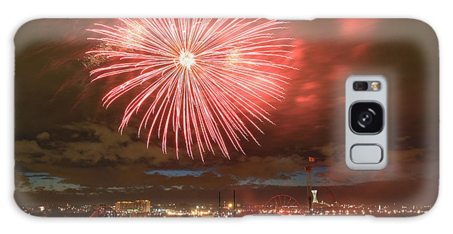 Fireworks Galaxy S8 Case featuring the photograph Montreal Fireworks Celebration by Pierre Leclerc Photography