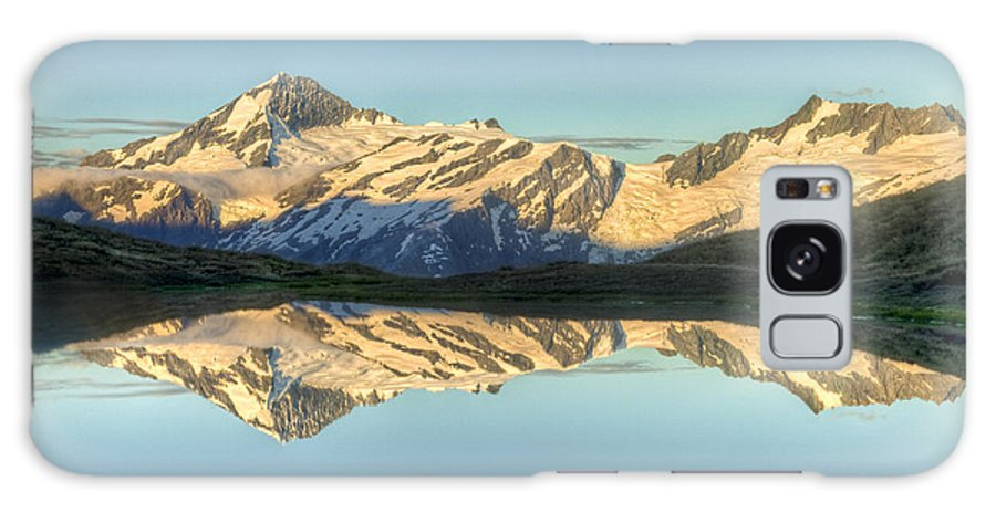 00441029 Galaxy S8 Case featuring the photograph Mount Aspiring Moonrise Over Cascade by Colin Monteath