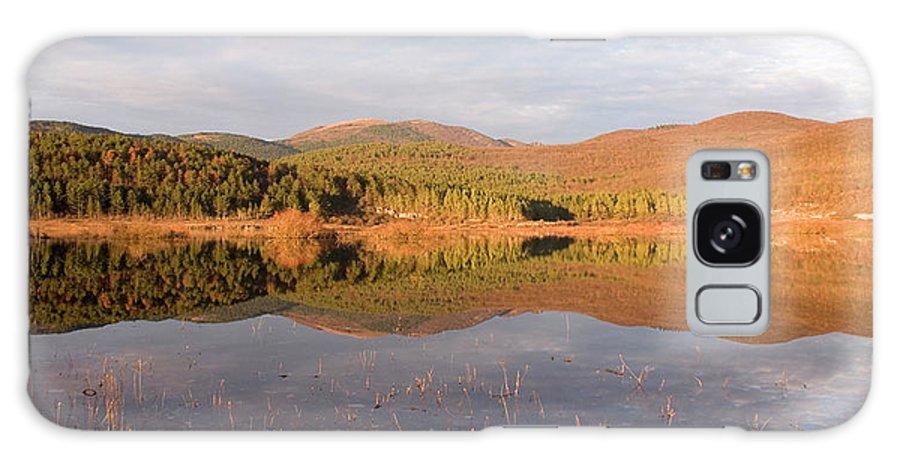 Seasonal Galaxy S8 Case featuring the photograph Palsko Lake by Ian Middleton