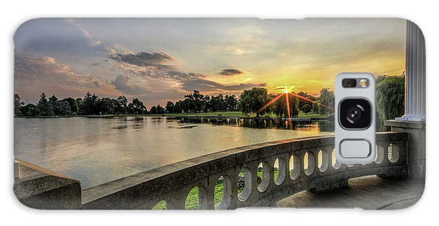Hiawatha Galaxy S8 Case featuring the photograph Sunrise In The Park by Everet Regal