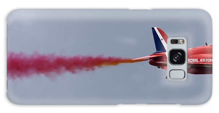 Plane Galaxy S8 Case featuring the photograph The Red Arrows At Farnborough International Airshow by Ian Middleton