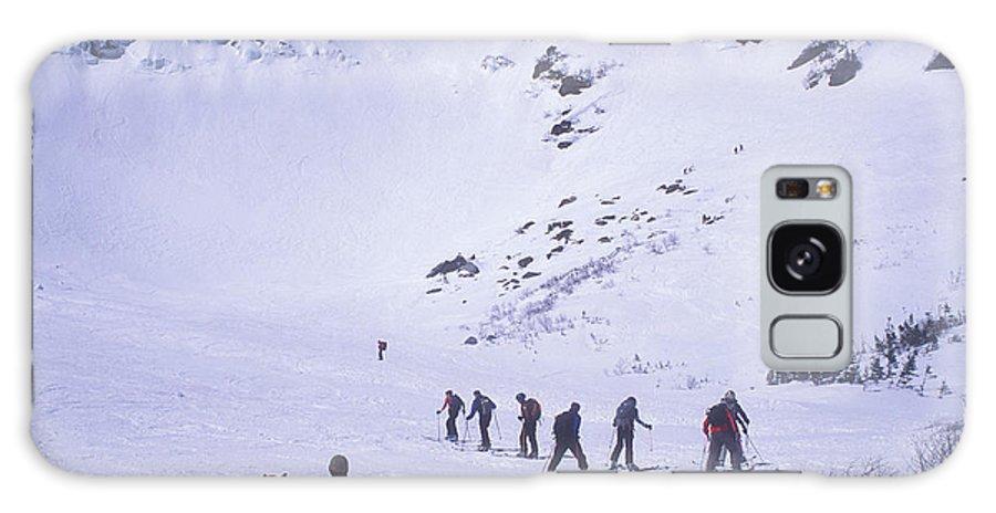 Mount Washington Galaxy S8 Case featuring the photograph Tuckermans Ravine by John Burk