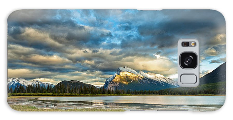 Banff Galaxy S8 Case featuring the photograph Vermilion Lakes by U Schade