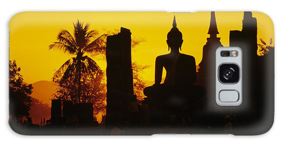 Ancient Galaxy S8 Case featuring the photograph Wat Mahathat by Gloria & Richard Maschmeyer - Printscapes