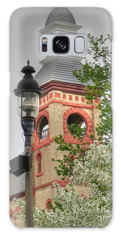 Woodstock Illinois Galaxy S8 Case featuring the photograph Woodstock Opera House by David Bearden