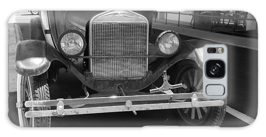 Black And White Galaxy S8 Case featuring the photograph 1926 Model T Ford by Rob Hans