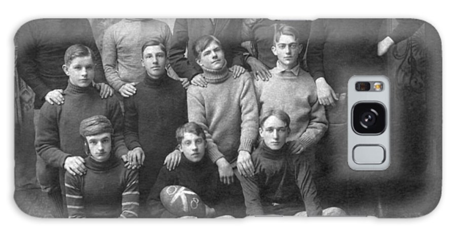 1900s Galaxy S8 Case featuring the photograph 1908 Football Team by Underwood Archives