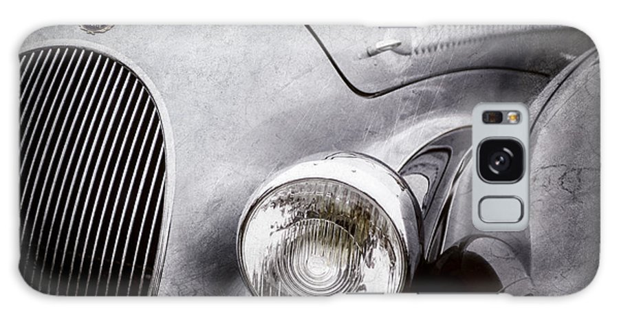 1938 Talbot-lago 150c Ss Figoni And Falaschi Cabriolet Headlight Galaxy S8 Case featuring the photograph 1938 Talbot-lago 150c Ss Figoni And Falaschi Cabriolet Headlight - Emblem -1554ac by Jill Reger