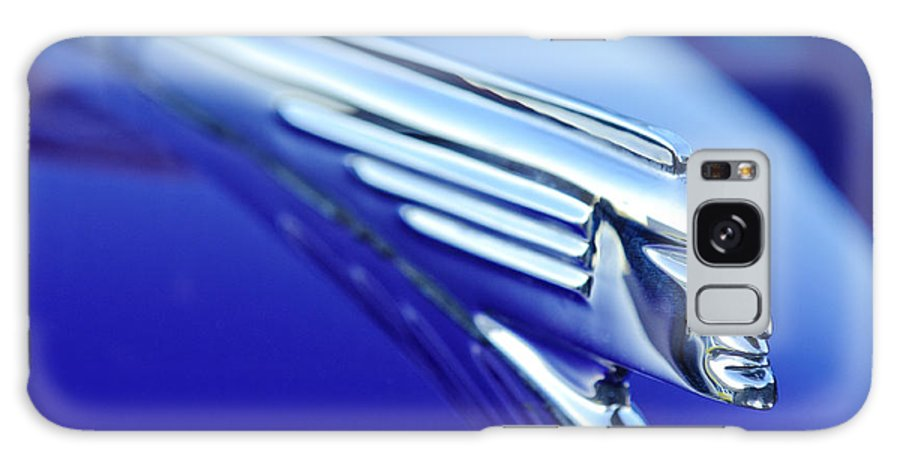 1939 Pontiac Coupe Galaxy S8 Case featuring the photograph 1939 Pontiac Coupe Hood Ornament 4 by Jill Reger