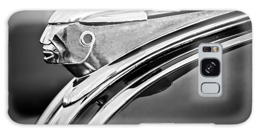 1948 Pontiac Chief Galaxy S8 Case featuring the photograph 1948 Pontiac Chief Hood Ornament 2 by Jill Reger