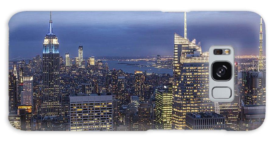 Amerikanisch Galaxy S8 Case featuring the photograph Manhattan Skyline New York by Juergen Held