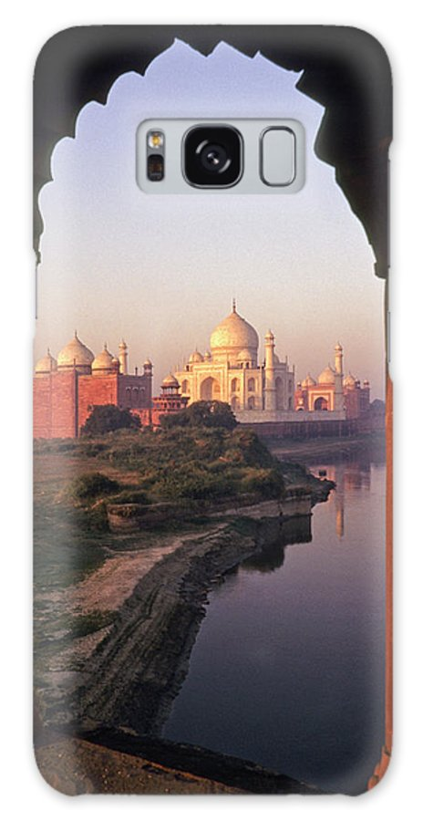 India Galaxy S8 Case featuring the photograph Taj Mahal At Sunrise by Michele Burgess