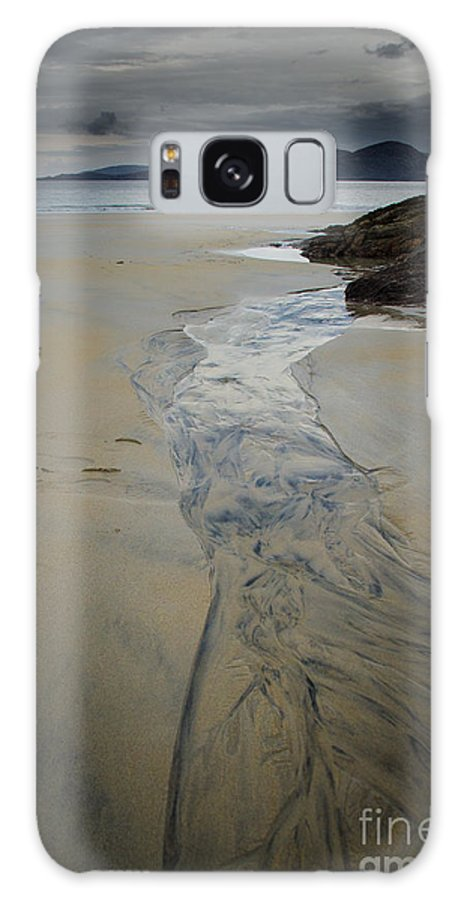Isle Of Harris Galaxy S8 Case featuring the photograph Luskentyre, Isle Of Harris by Smart Aviation