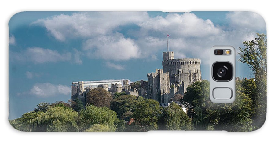 England Galaxy S8 Case featuring the photograph Windsor Castle by F Helm