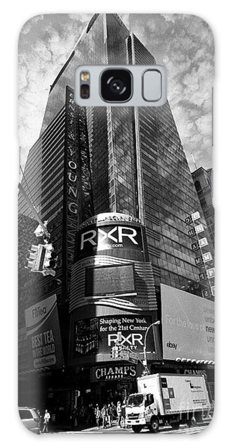 5 Times Square Galaxy S8 Case featuring the photograph 5 Times Square Ernst And Young Tower Headquarters New York City Usa by Joe Fox