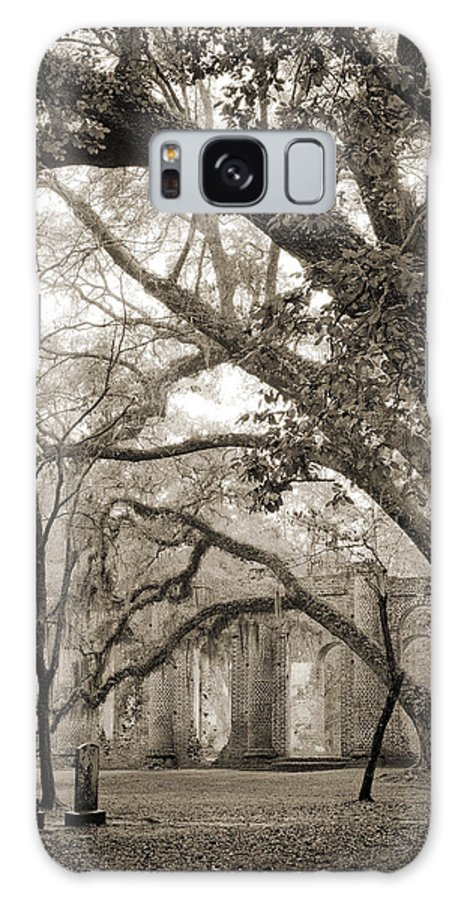 Old Sheldon Church Galaxy S8 Case featuring the photograph Old Sheldon Church Ruins by Dustin K Ryan