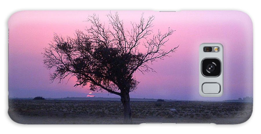 Lone Tree Sunset Purple Sky Desert Isolated Lonely Baron Land Galaxy S8 Case featuring the photograph A Touch Of Alone by Andrea Lawrence