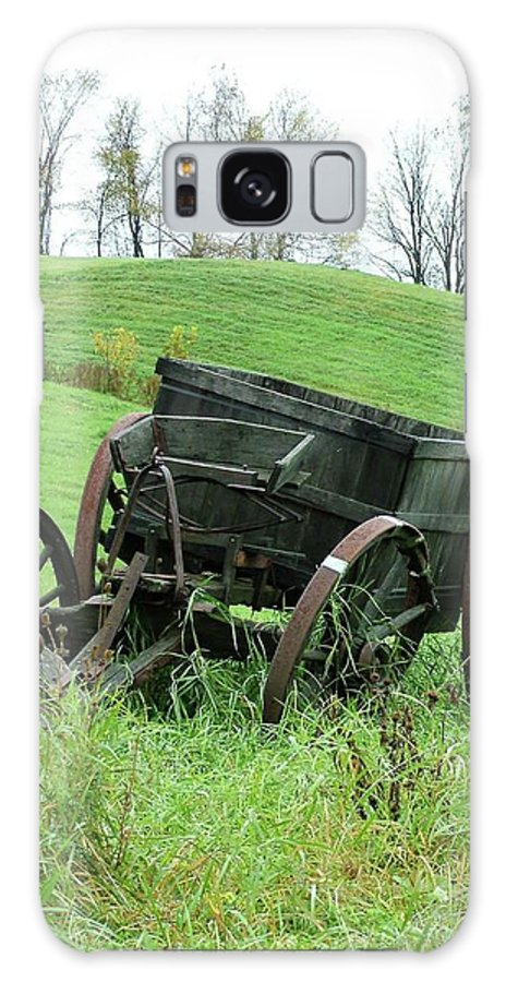 Vermont Galaxy S8 Case featuring the photograph Abandoned Wagon by Danean Ermentrout