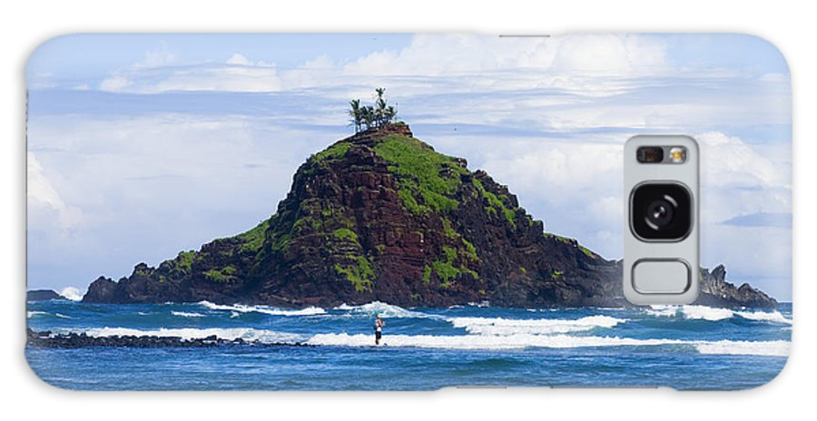 Alau Galaxy S8 Case featuring the photograph Alau Islet, Fisherman by Ron Dahlquist - Printscapes
