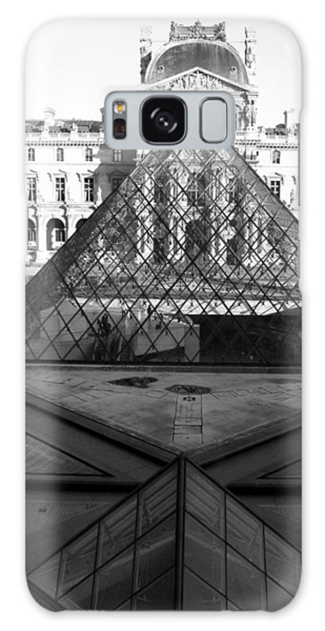 Pyramids Galaxy Case featuring the photograph Aligned Pyramids At The Louvre by Donna Corless