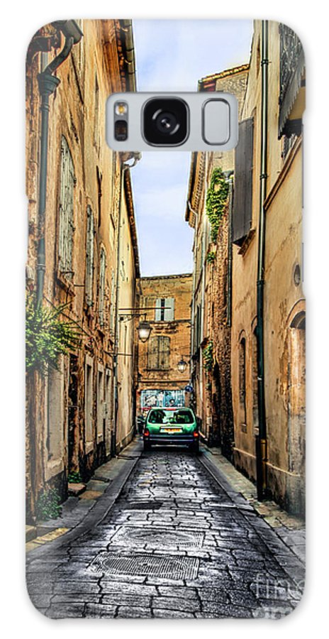 Avignon Galaxy S8 Case featuring the photograph Alley In Avignon by Kay Brewer