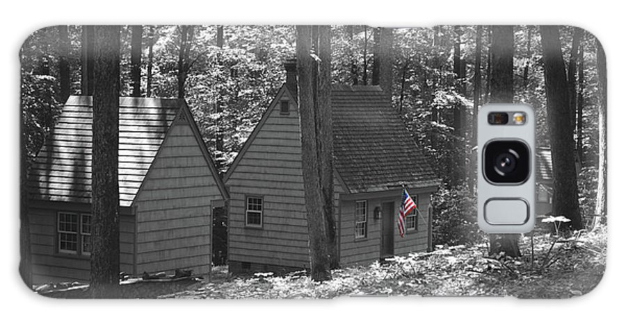 Little Galaxy S8 Case featuring the photograph American Little House In The Woods by Jost Houk