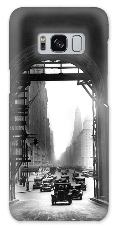 1920s Galaxy S8 Case featuring the photograph Arch At Grand Central Station by Underwood Archives
