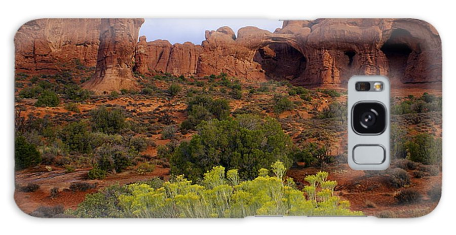 Southwest Art Galaxy S8 Case featuring the photograph Arches Park 1 by Marty Koch