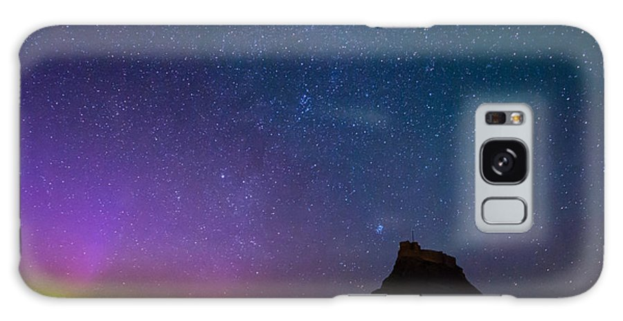 Northumberland Galaxy S8 Case featuring the photograph Aurora Borealis Over Lindisfarne Castle by David Head