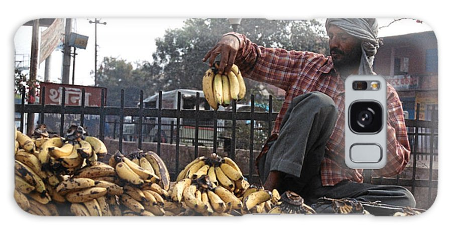 Food Galaxy S8 Case featuring the photograph Banana Man On Cart In India by Diana Davenport