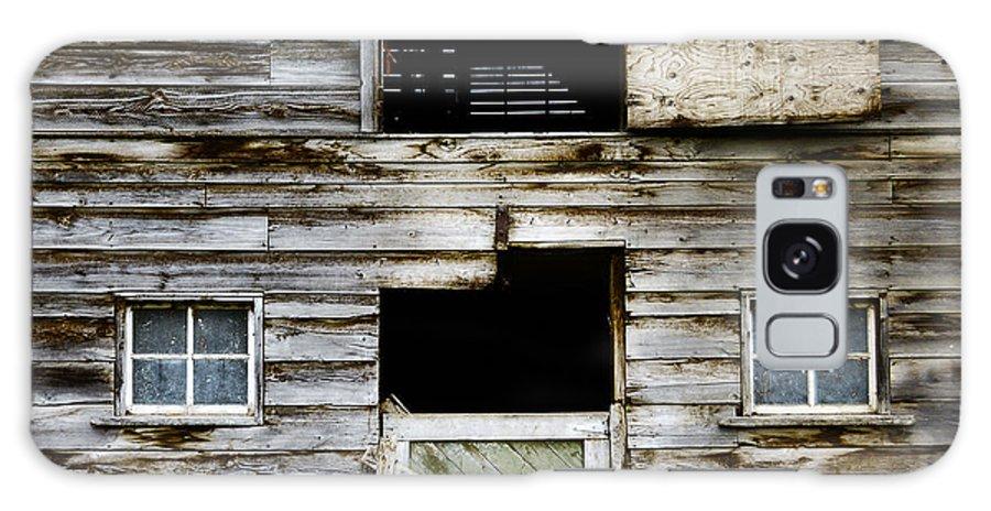 Barn Galaxy S8 Case featuring the photograph Barn Side by Wayne Sherriff