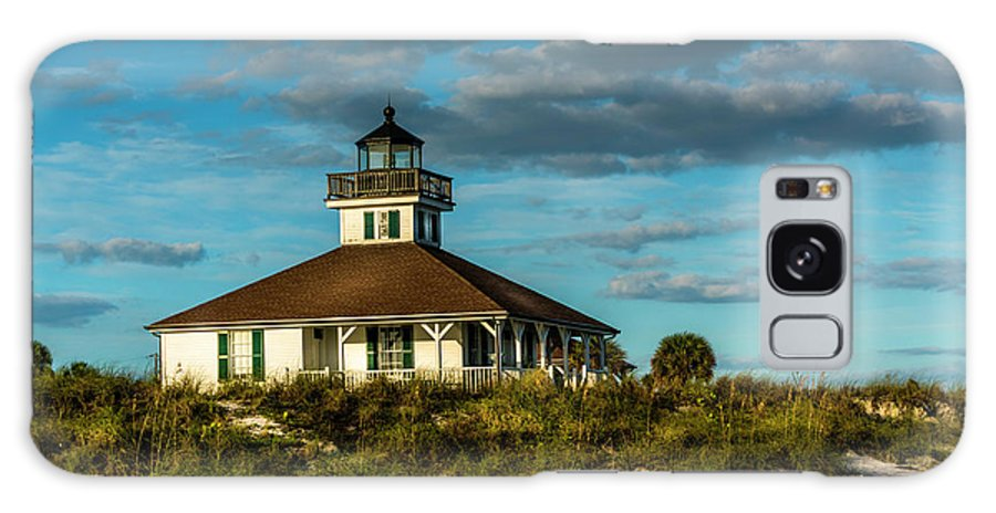 Lighthouse Galaxy S8 Case featuring the photograph Beach Lighthouse by Marvin Spates