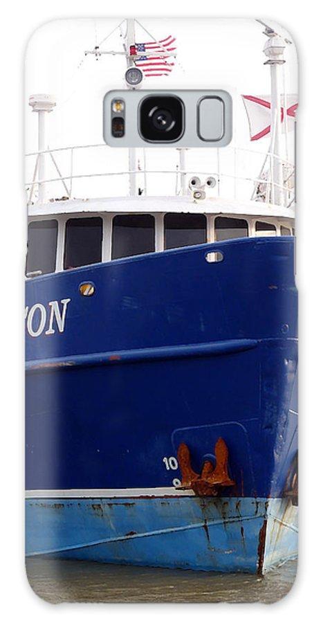 Ship Galaxy S8 Case featuring the photograph Beacon Aground by David Bearden