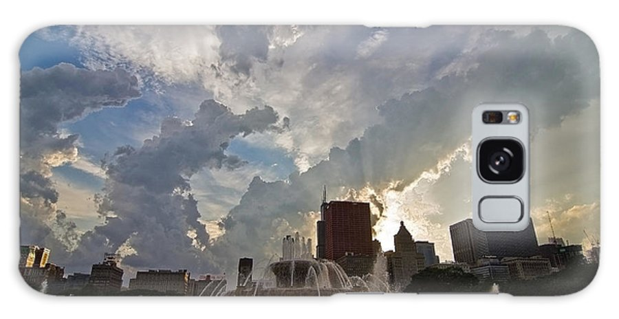Chicago Skyline Galaxy Case featuring the photograph Beautiful Clouds Over Buckingham Fountain by Sven Brogren