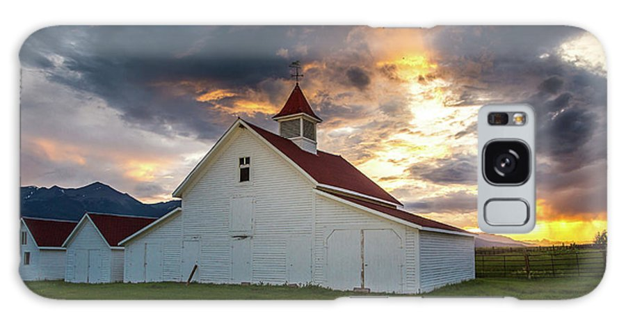 2015 Galaxy S8 Case featuring the photograph Beckwith Ranch At Sunset With Crepuscular Rays And Virga by Bridget Calip
